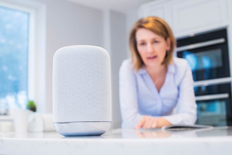 Voice control smart speaker